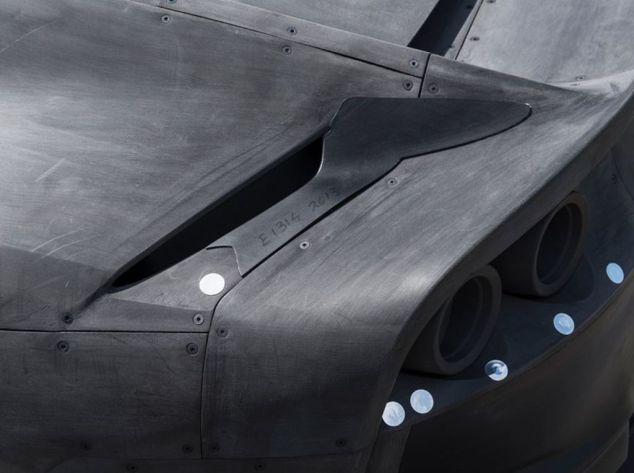 Ferrari 812 Superfast-wind tunnel scale model-auction-3