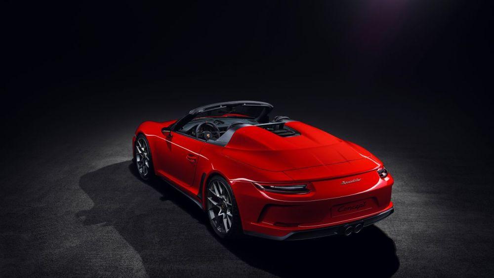 2019 Porsche 911 Speedster Paris Motor Show 6
