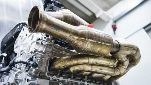 aston-martin-valkyrie-s-cosworth-v12-engine-05