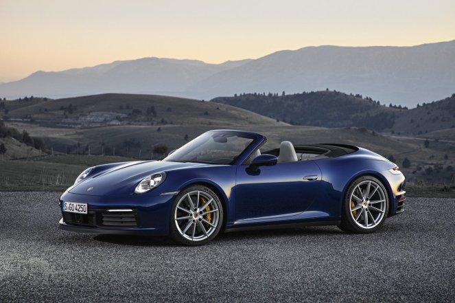 Porsche-911-992-cabriolet-01