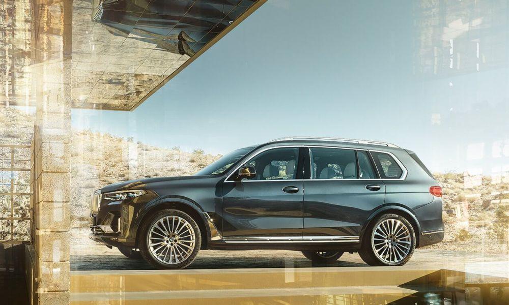 BMW X7 privacy glass