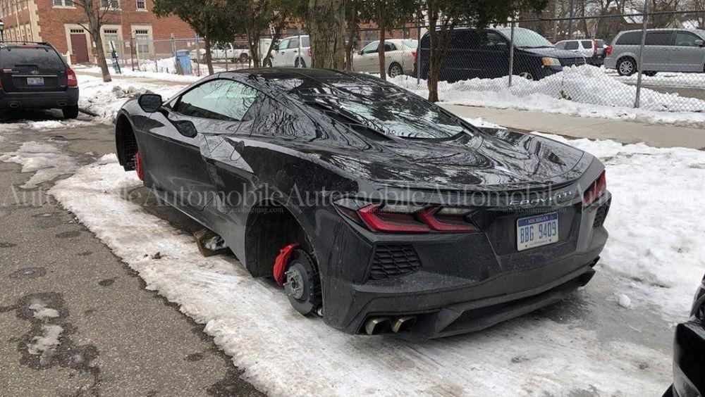Chevrolet Corvette-C8-Wheels-Stolen-Detroit-3