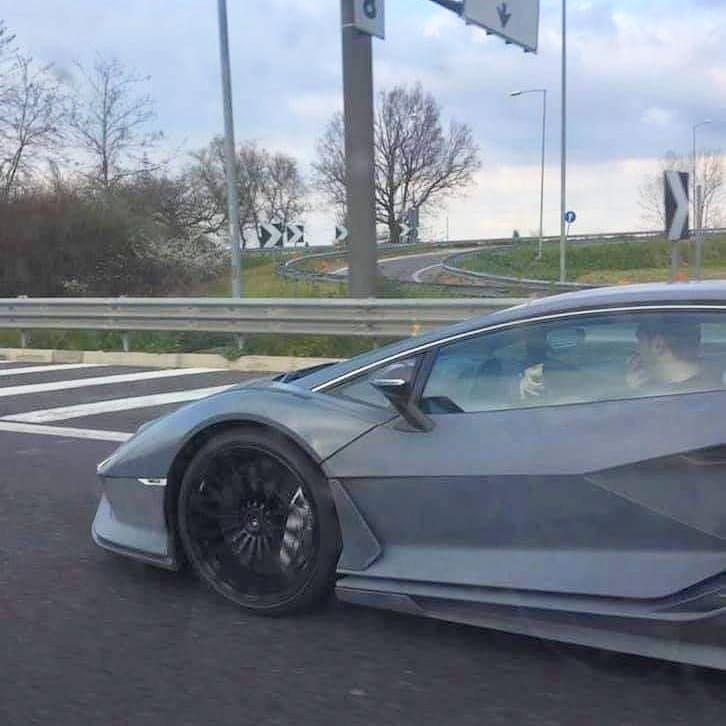 Lamborghini Sian-spy-shots-2