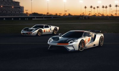 2021-ford-gt-heritage-edition-with-original-gt40-rear-close-up