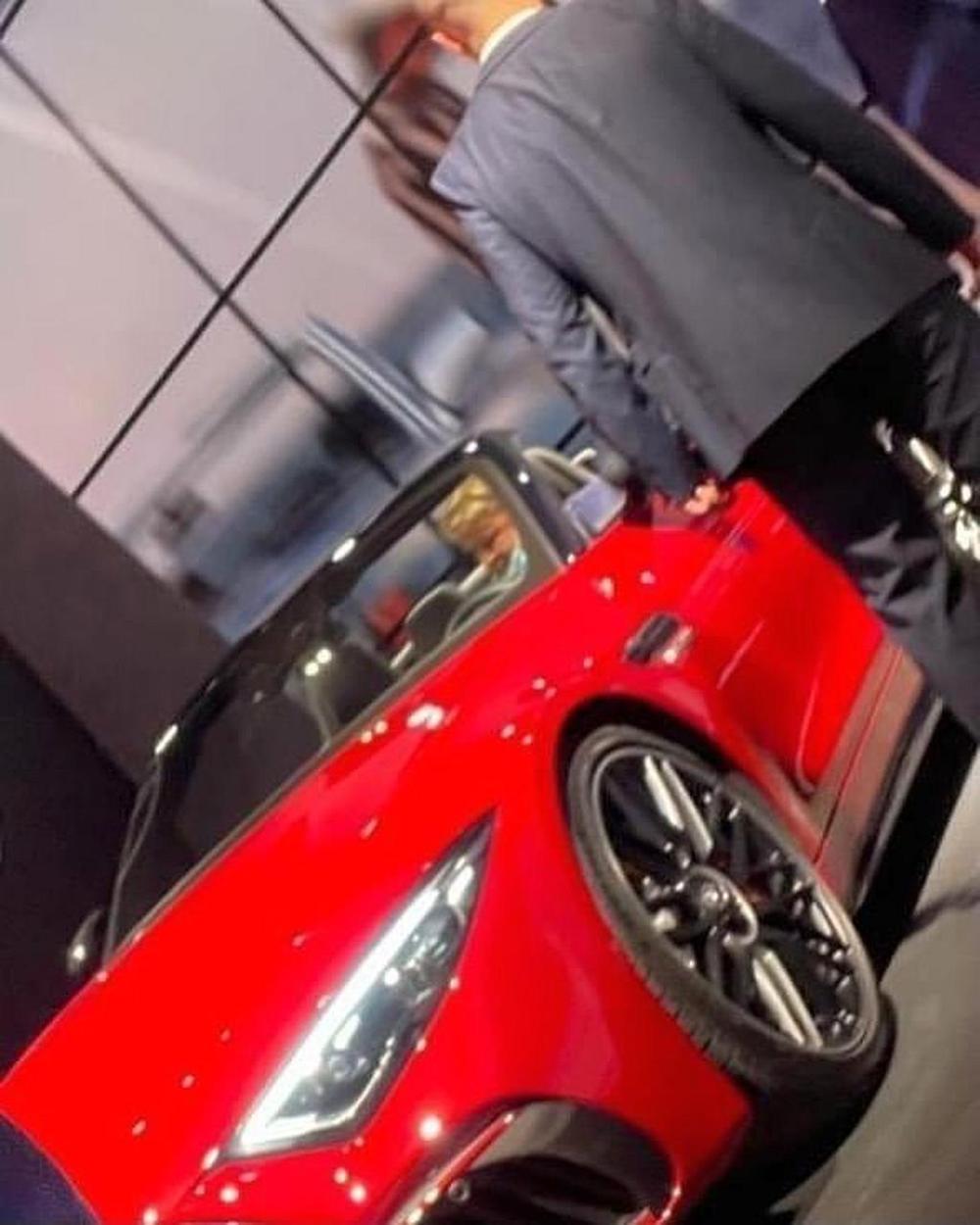 2022-Mercedes-AMG-SL-Roadster-leaked