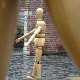 Giant artist's mannequins outside Mechelen cultural centre Minderbroedergang 2