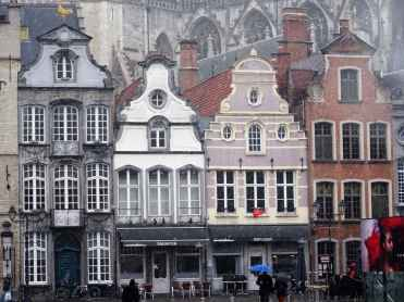 Mechelen - houses under the Cathedral on Grote Markt