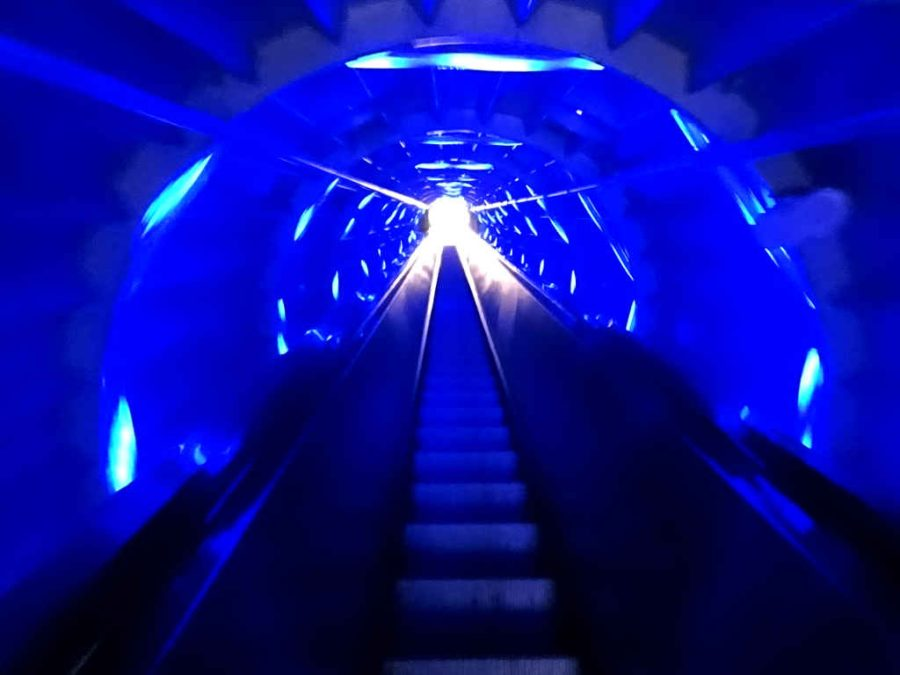 Time travel blue: Atomium interior escalators