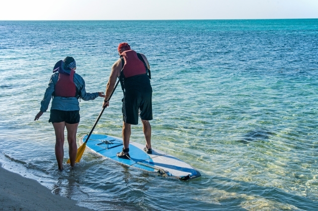 what to wear paddle boarding