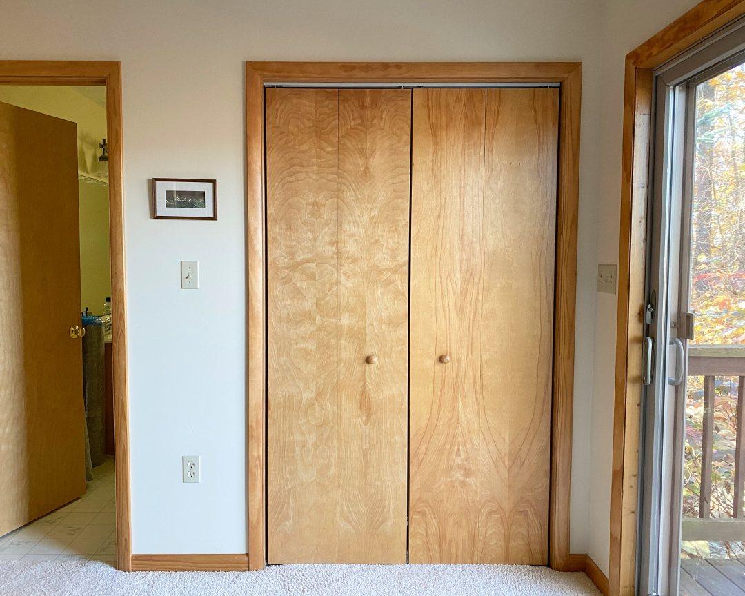 Cabin bedroom closet