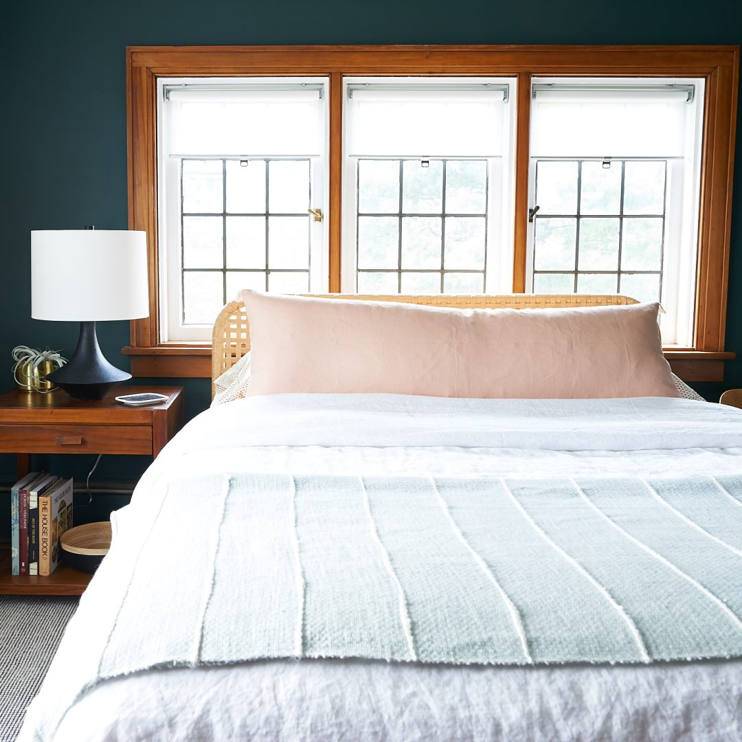 how to style bedding like a pro - wrinkly before