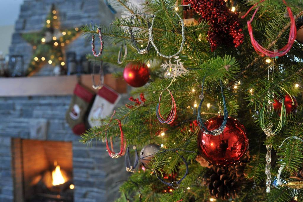 Pura Vida Bracelets Christmas Tree