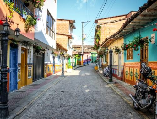 Guatape, Antioquia, Colombia | The Mochilera Diaries