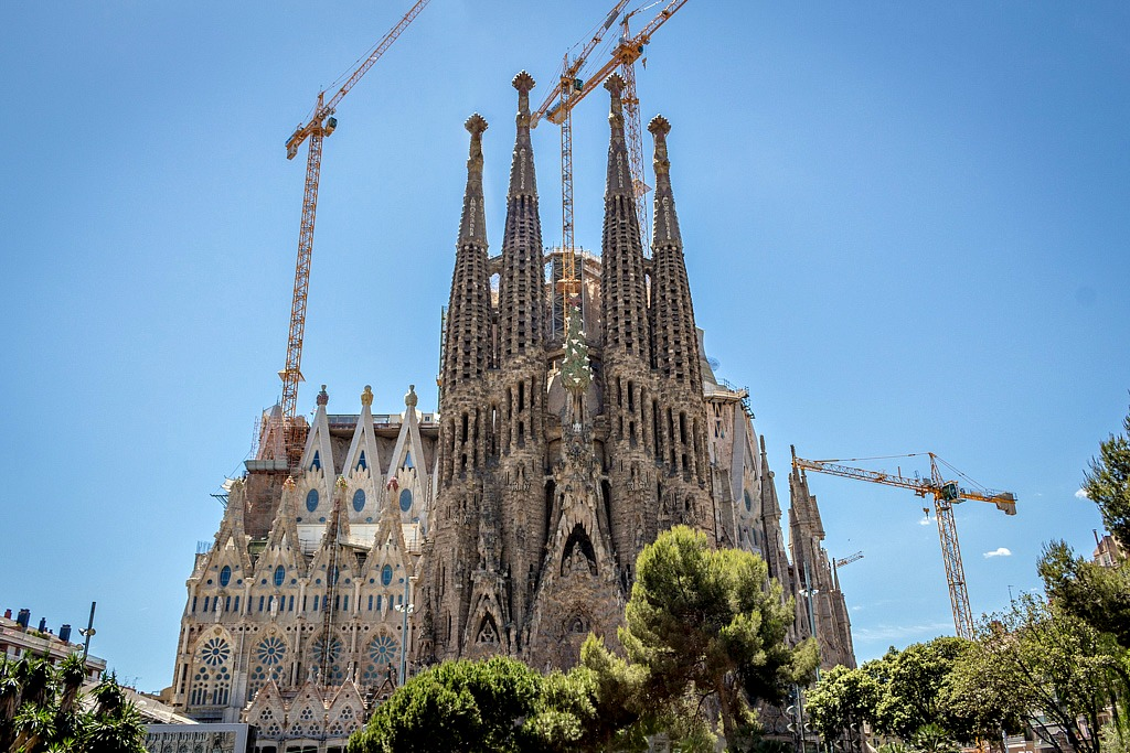 La sagrada familia a church 133 years in the making for La sagrada familia barcelona spain