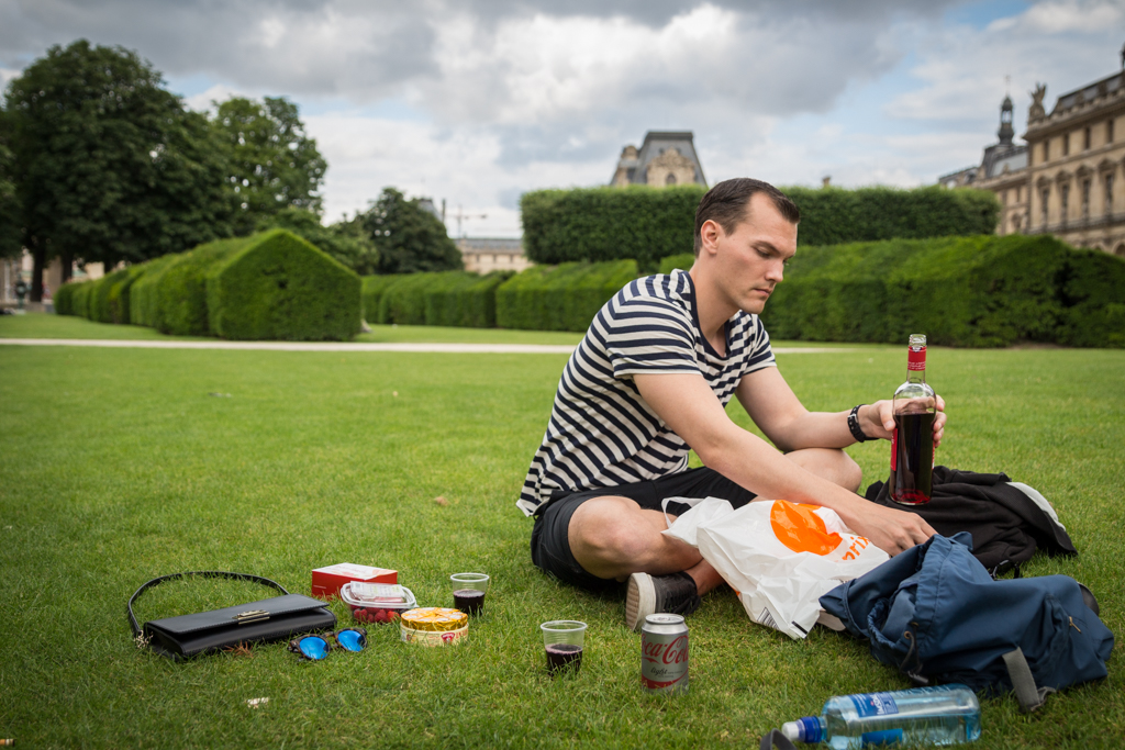 What to do with four days in Paris. Picnic in Jardin des Tuileries.