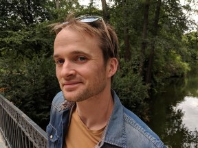 Headshot of long-term digital nomad James from The Portugalist blog
