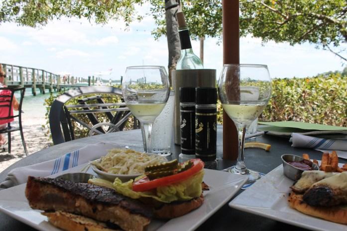 mar-vista-places-to-eat-longboat-key-anna-maria-island-bradeton-beach-bar-florida11