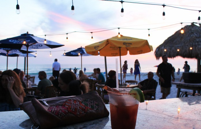 kokohut-places-to-eat-longboat-key-anna-maria-island-bradeton-beach-bar-florida8