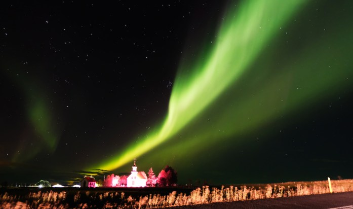 iceland road trip travel blog guide northern lights aurora borealis