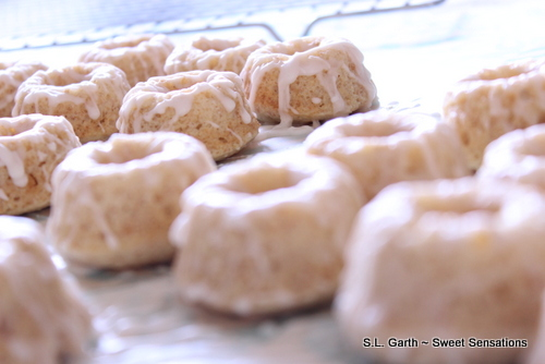Mini Baked Doughnuts With Vanilla Glaze Sweet Sensations