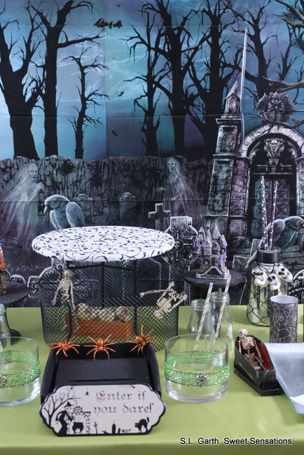 haunted graveyard dessert table 2