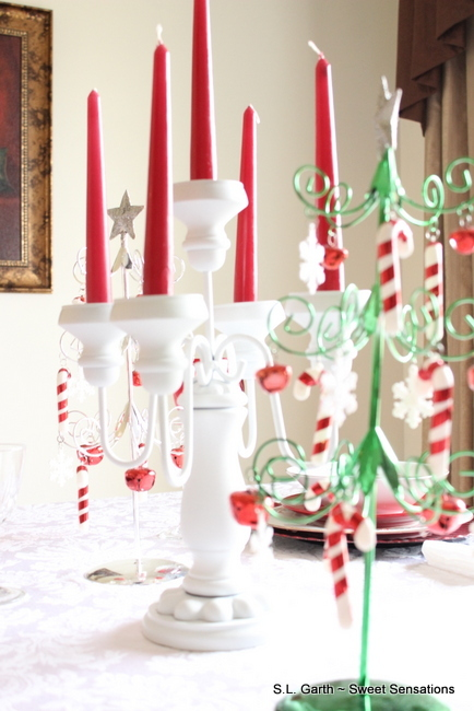 red white Christmas Table 15