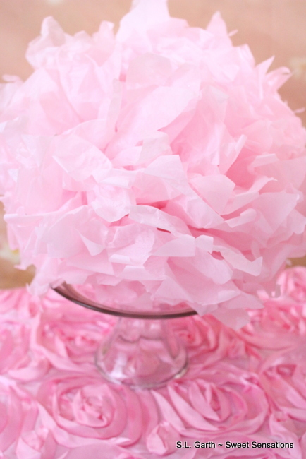 How utterly girly is this Pink Glam dessert vignette!