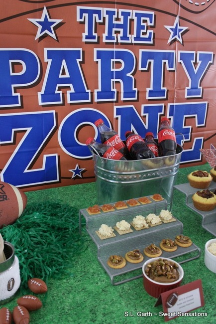 Easy ideas for homegating with #Mondelez #Coca-Cola products get you out of the kitchen and back to the game day fun.
