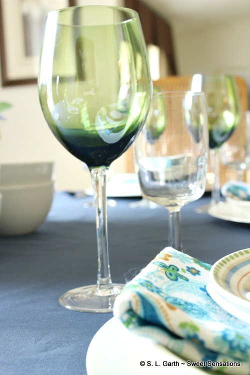 This early summer tablescape allowed me to find me another use for kitchen towels.