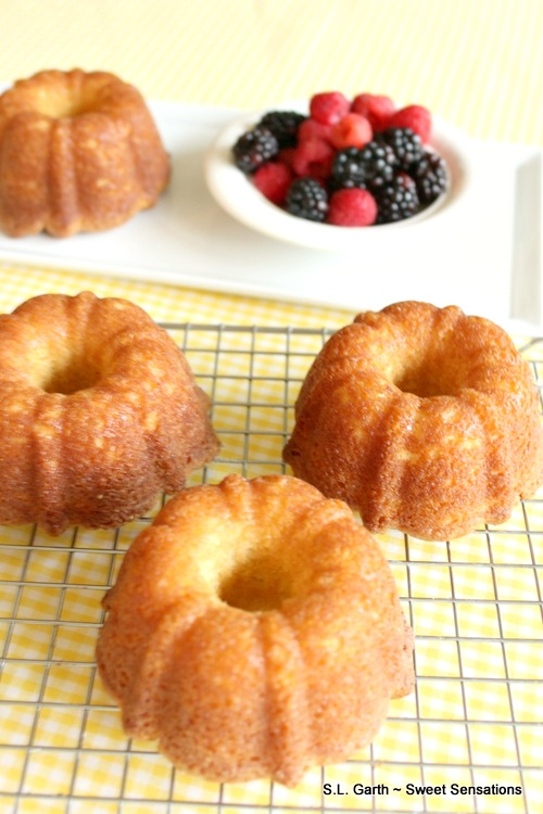 Let these mini Pound Cakes from Heaven be the little dessert indulgence you've been craving.