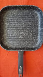 This Zyliss Cook 10-inch Grill Pan cooks evenly has lots of grill lines and cleans like a dream.