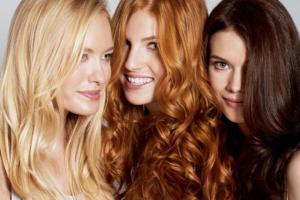 vrouwen met verschillende haar kleur