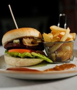 Alyward Lounge Beef Burger