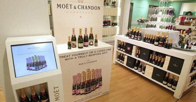 Enjoy a special MOËTMOMENT With Your Mum This Mothers Day
