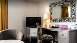 House Hotel Suite