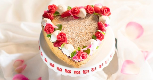 Siúcra & Catherine Fulvio's LOVE U Mother's Day Cake recipe