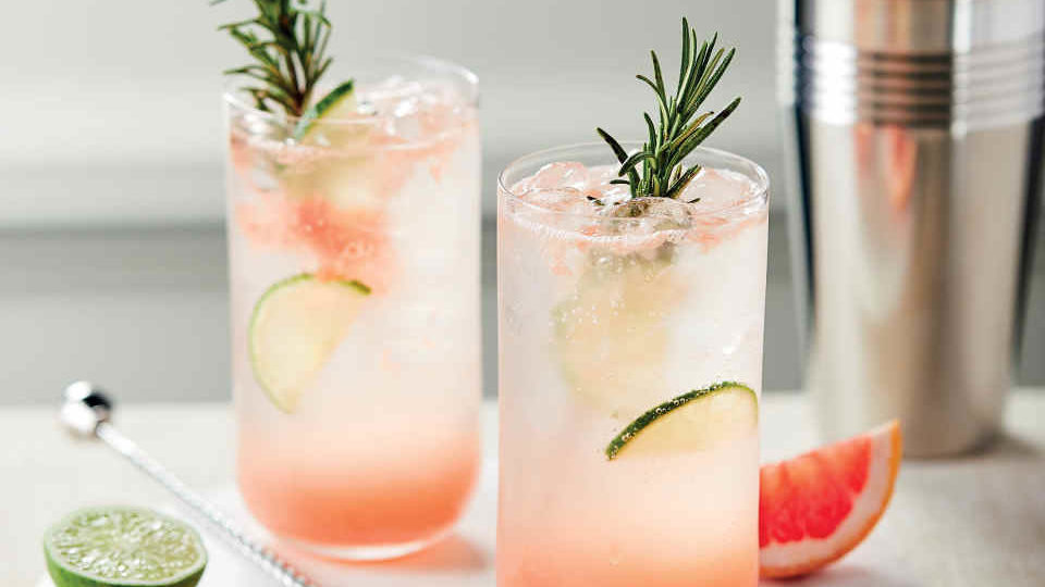 Pamplemousse Gin Cocktail Recipe by Aldi