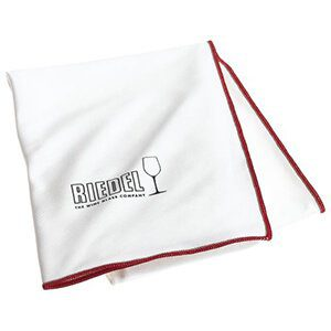 wine polishing cloth for a wine lovers gift - find more ideas on thetastesf.com