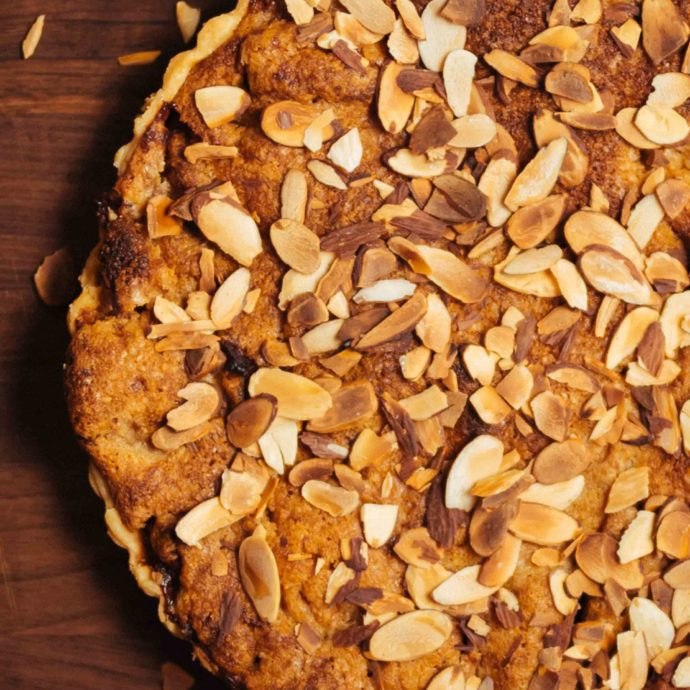 Close up look at an easy Almond Apple Tart inspired by our trip to London #tart #recipe #apple