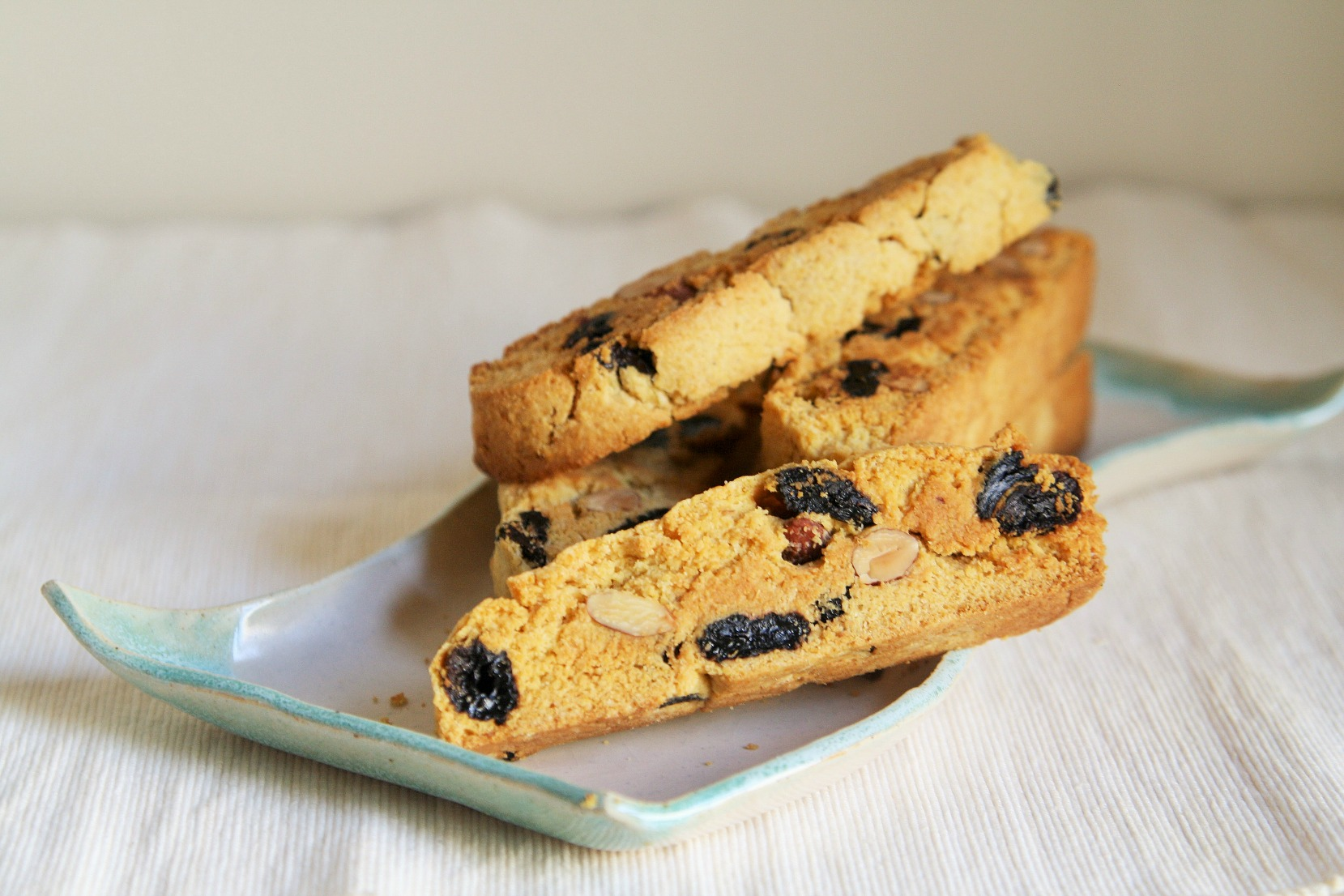 cornmeal-honey-biscotti-3