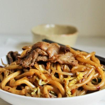 Stir-Fry Beef Udon Noodles {Japanese Yakiudon}
