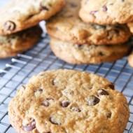 Copycat DoubleTree Chocolate Chip Cookies