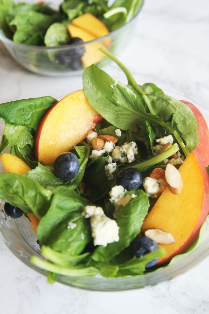 arugula-salad-peach-blueberry-gorgonzola-1