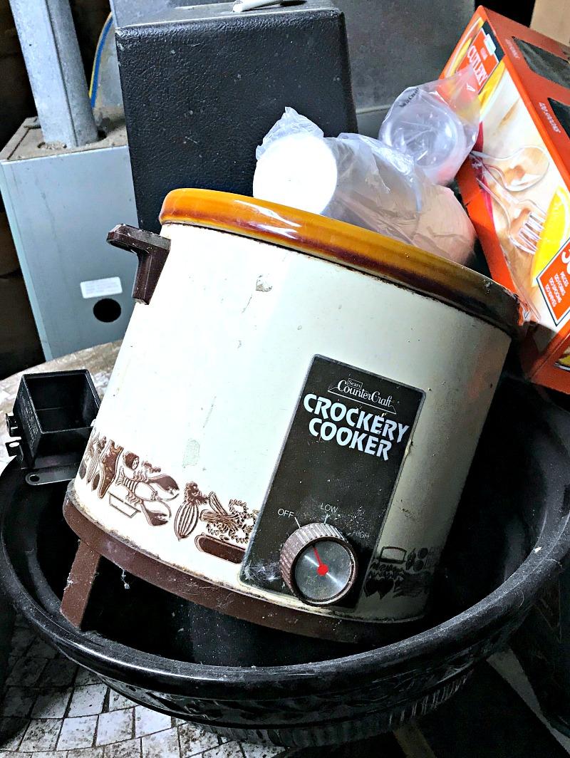 creepy slow cooker