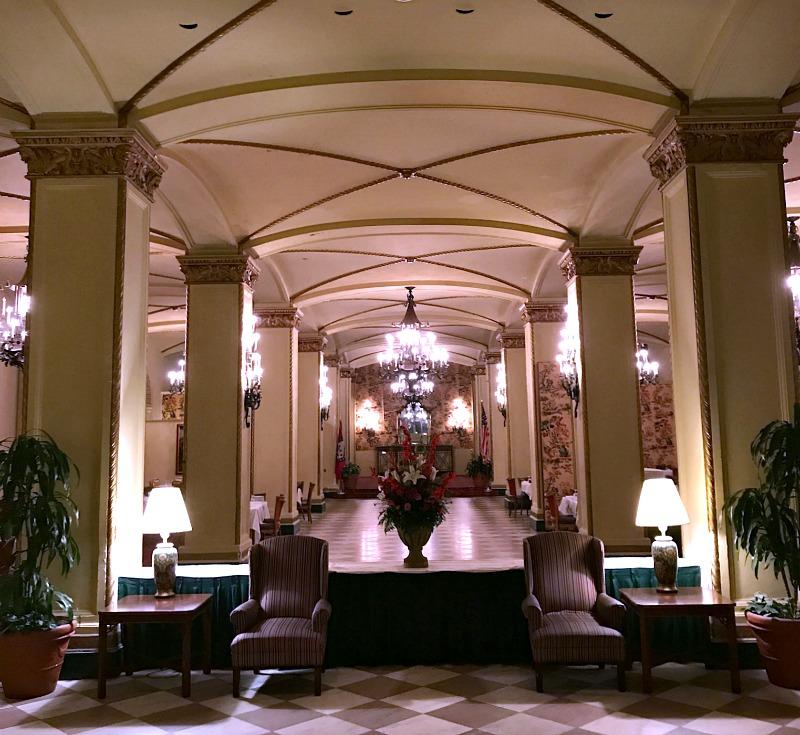 Arlington Hotel dining room