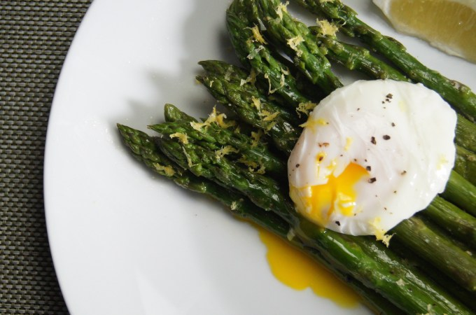 Pan-Seared Asparagus with Poached Eggs