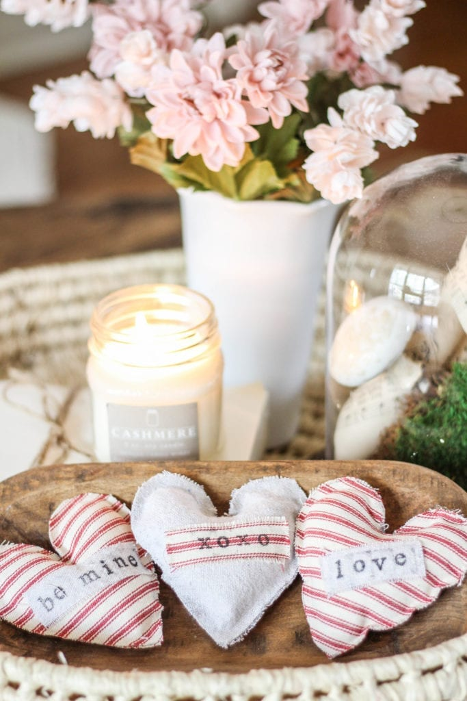 A collection of home decor DIY from six different interior bloggers. Sharing a bathroom vanity DIY, linen closest makeover, Valentine DIYs, and lots more!