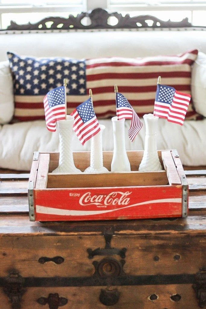 Welcome Home Sunday: Vintage inspired Fourth of July decor.