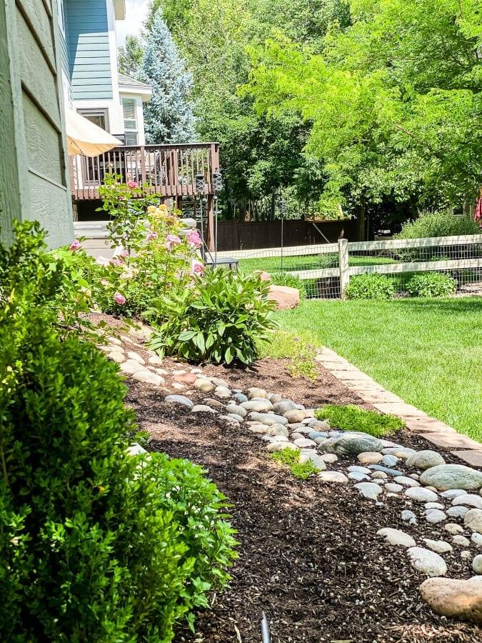 Creative Backyard Landscaping Ideas on a Budget » The ... on Inexpensive Backyard Landscaping id=55908