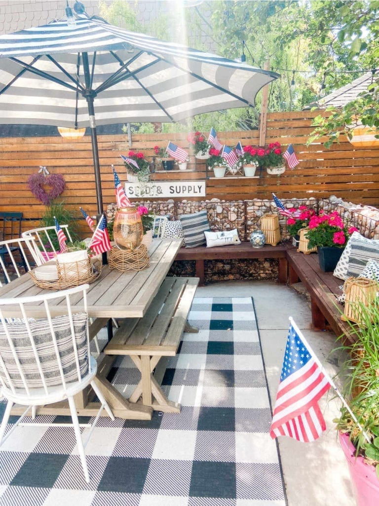 Welcome Home Saturday: 5 ways to add patriotic touches to your outdoor spaces!